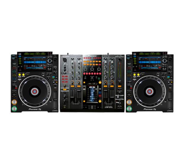 Pioneer CDJ-2000 NXS2 + DJM-2000